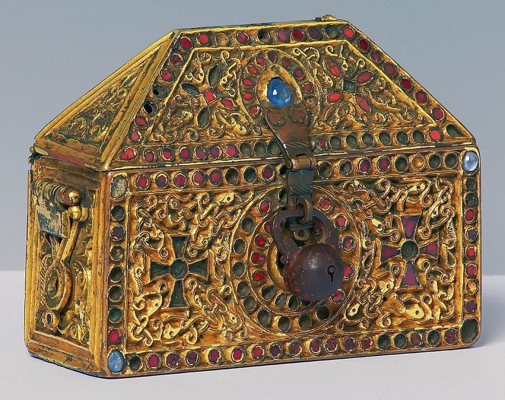 Bracciale doro risalente al XIV secolo quali domande devo chiedere su un sito di incontri