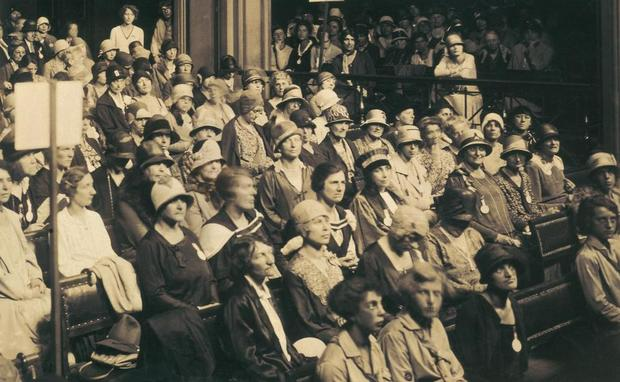 Kongress der internationalen Vereinigung der Akademikerinnen in Genf, 1929 (Schweizerische Nationalbibliothek).